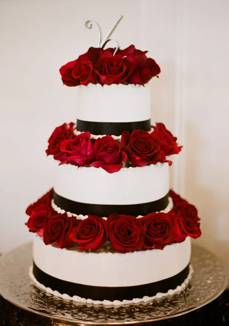 Black and White Wedding Cake With Red Roses