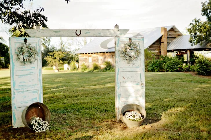 A Rustic, Vintage Wedding At The Barn On Belmont In Athens