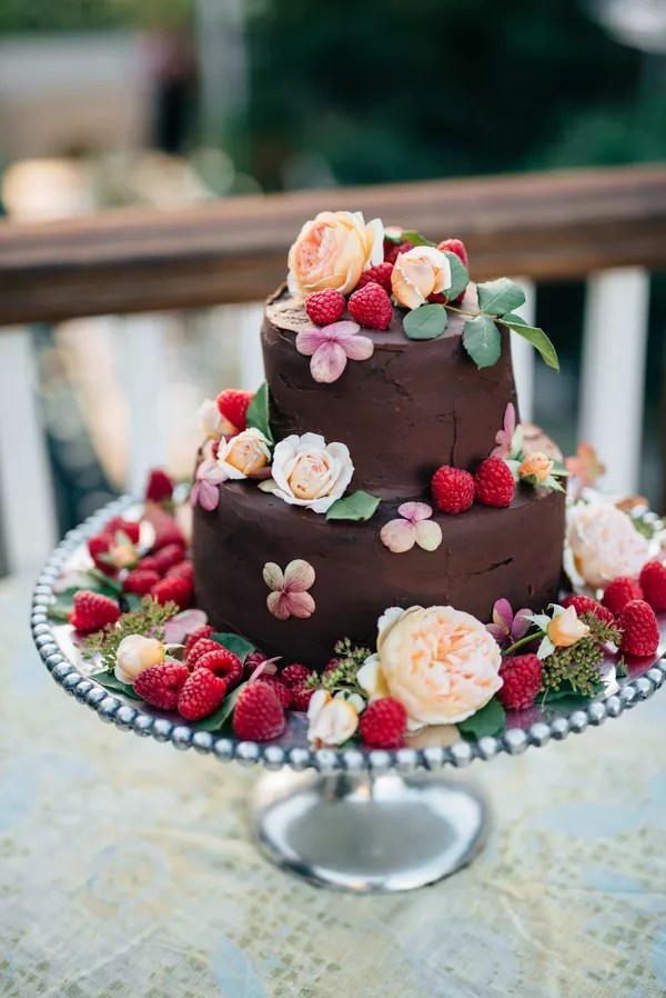 Fruit Wedding Cakes   Desserts Summery Garden Inspired Wedding Cake with Fresh Berries