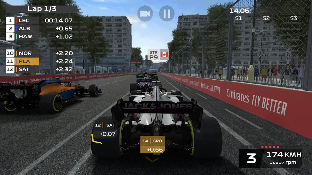 F1 Mobile Racing Screen 3