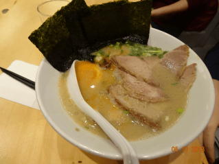 Ramen with Joanna!!! long time no see her!