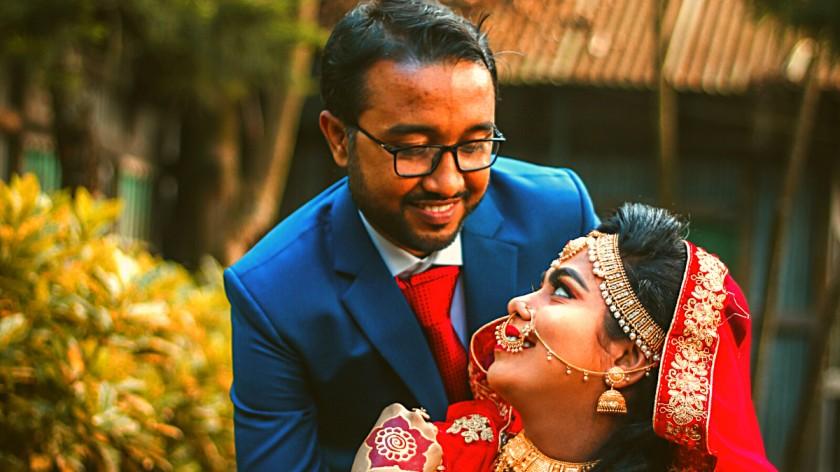 पती-पत्निमधील शारीरिक संबंध हे इमोशनल बॉण्डिगवर अवलंबून आहे.