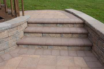 natural stone steps and patio in Denver, PA