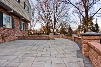 stone patio and block wall in Lebanon, PA