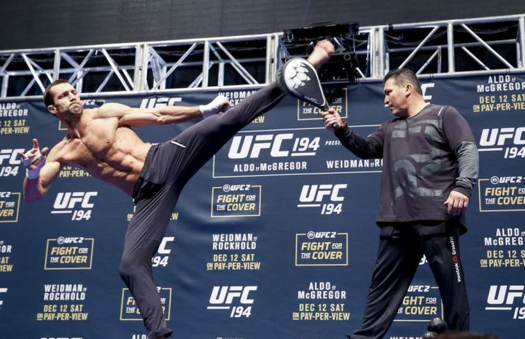 Luke Rockhold Reveals Plans To Move Up To 205, Calls Out Jon Jones