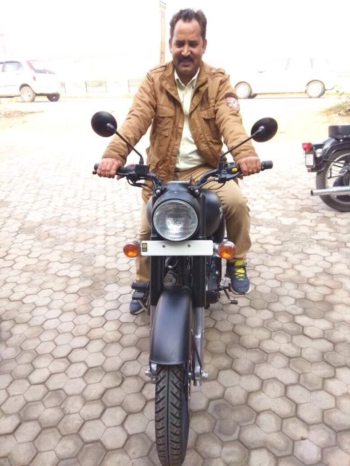 Royal Enfield Stealth Black Classic 500
