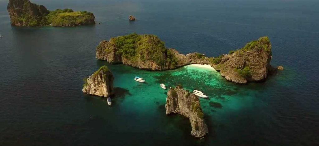 Centre de plongée francophone à Koh Lanta - Les îles de Koh Haa