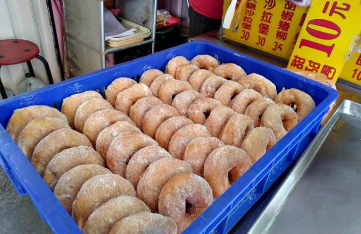 20210312210934 74 - 妙妙甜甜圈。每日自製甜甜圈只要銅板價10元,台中火車站隱藏版美食