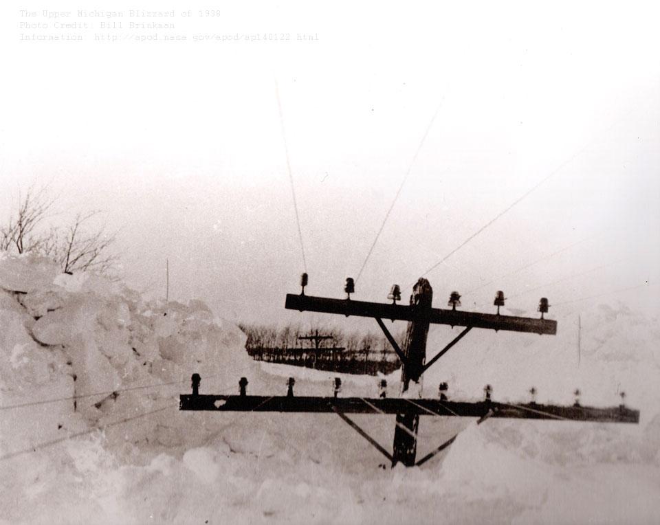 snowpoles_brinkman_960.jpg