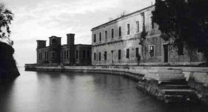 poveglia-island-docks-picture-of-shadow-figure