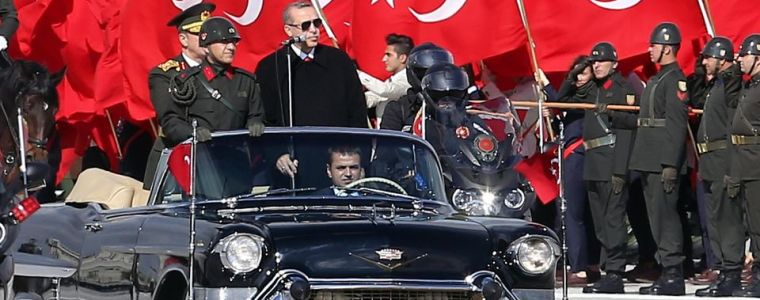 """""""This Crisis Is Created By America"""": Turks Blame Trump For Economic Collapse"""