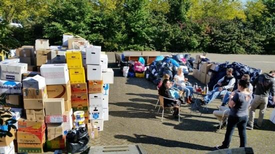 In oktober Hulpkaravaan goederen naar vluchtelingen in Griekenland – De Lange Mars Plus
