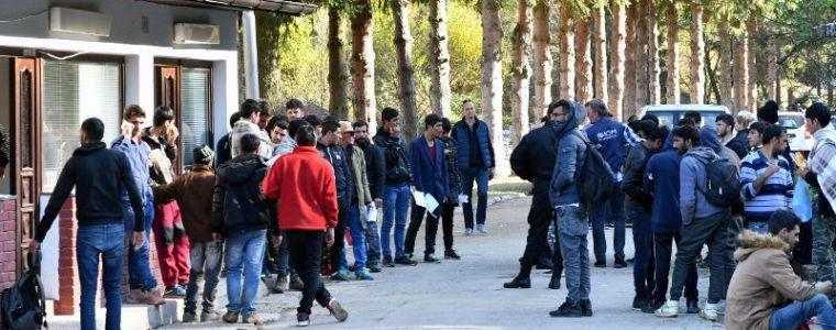 hungary-demands-eu-explain-8216prepaid-bank-cards-for-migrants8217-scheme