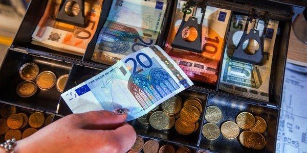 zentralbanken-konnten-mit-kryptowahrungen-negativzinsen-durchsetzen