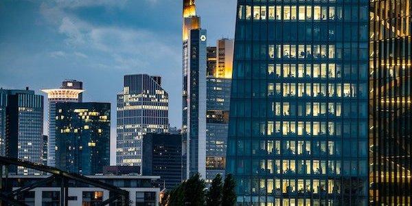 eu-will-mit-banken-infrastruktur-fur-blockchain-aufbauen