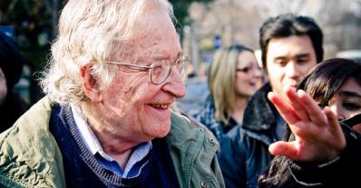 noam-chomsky-moreel-baken-voor-een-betere-solidaire-wereld-wordt-90