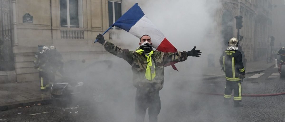 french-government-uses-terror-attack-to-push-protesters-to-go-home