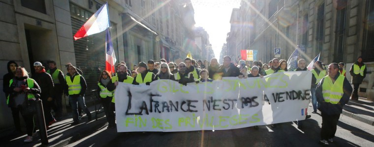 elected-officials8217-worst-nightmare-yellow-vests-hope-to-trigger-bank-run-with-financial-protest
