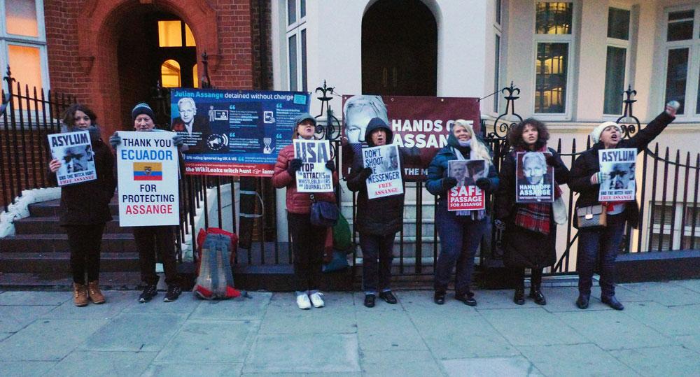 im-westen-londons-nicht-neues-julian-assange-und-seine-unterstutzer-geben-nicht-auf