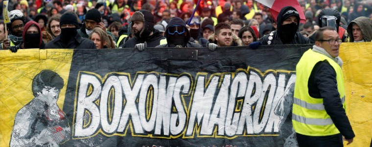 i-am-a-yellow-vest-too-if-it-means-wanting-a-better-salary-macron
