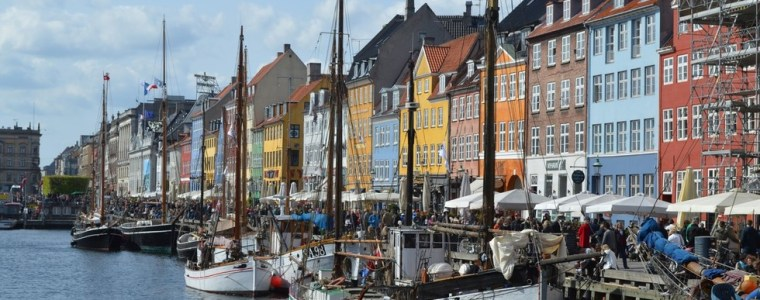 something-rotten-in-the-state-of-denmark-govt-wants-stores-to-stop-accepting-cash