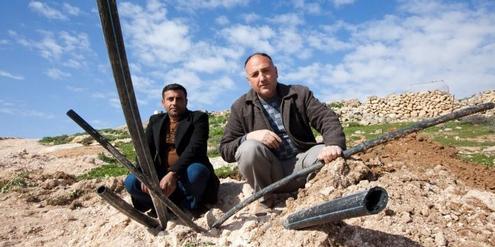 so-werden-im-westjordanland-wasserleitungen-zerstort