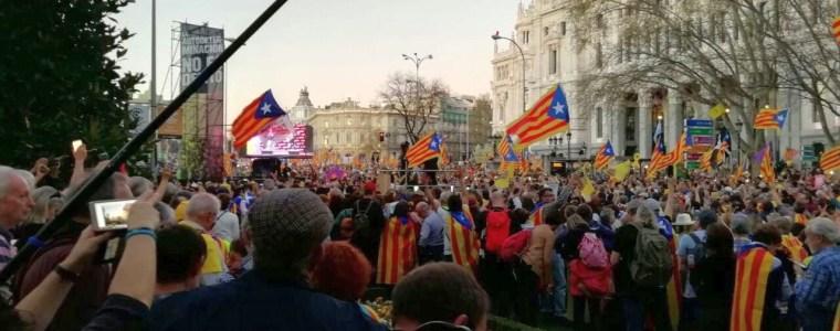 mehr-als-100.000-protestierten-zur-unterstutzung-der-katalanen-in-madrid