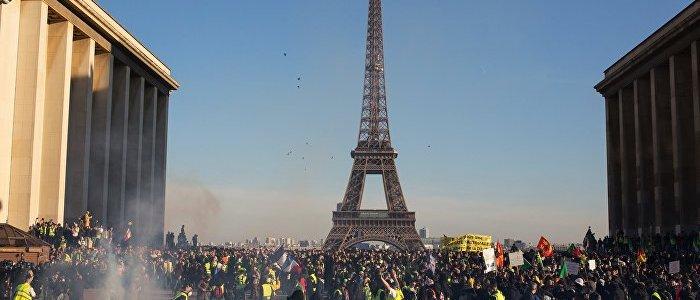 demo-in-paris-gelbwesten-lassen-sich-von-behorden-verbot-nicht-beirren