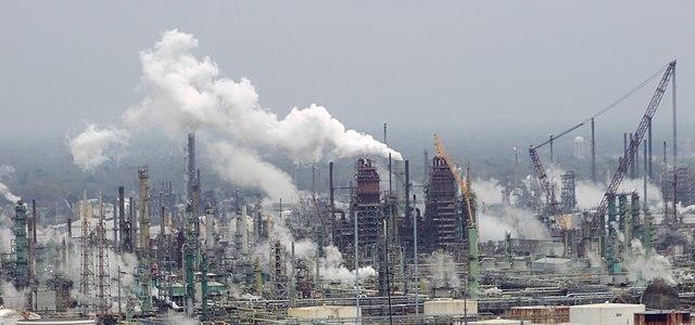 sancties-venezuela-brengen-amerikaanse-raffinaderijen-in-problemen