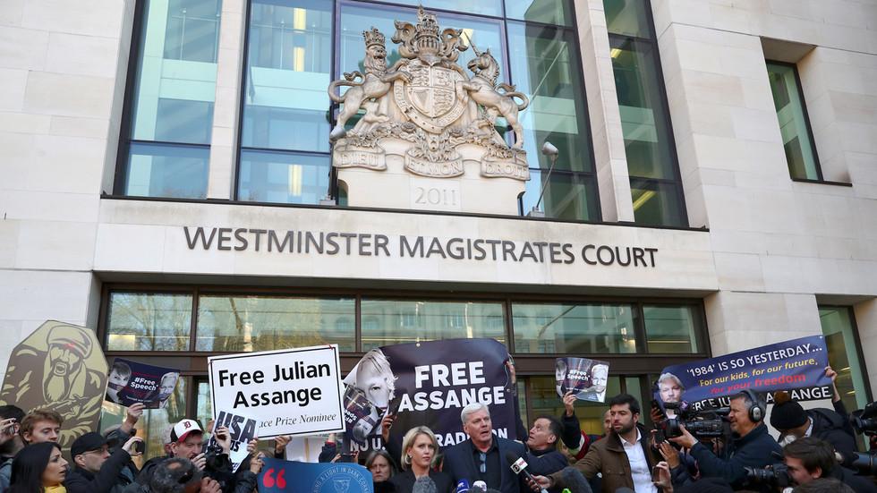 impartial-trial-uk-judge-brands-julian-assange-narcissist-in-courtroom