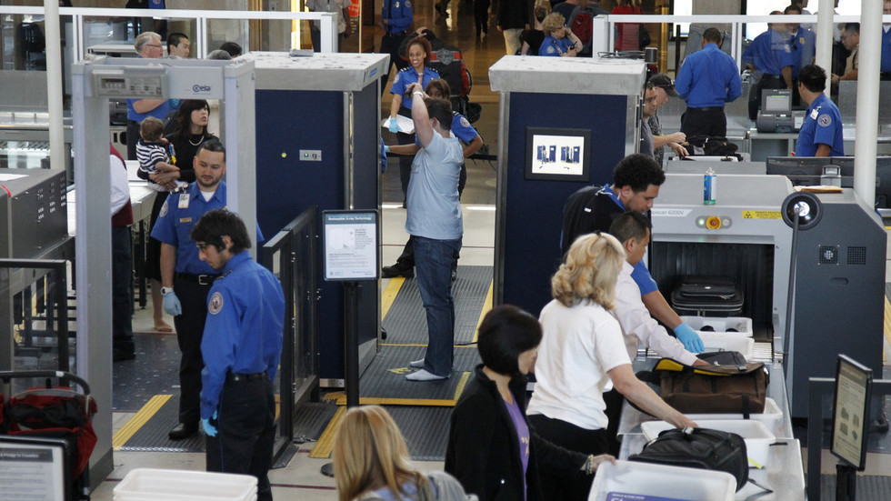 virtual-strip-search-tsa-flags-privacy-risks-in-new-airport-scanners