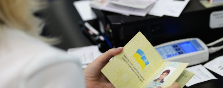 russia-may-offer-fast-track-citizenship-scheme-to-all-ukrainians-putin