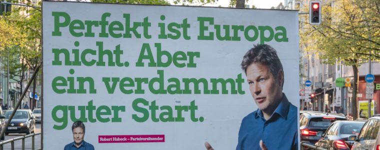 standpunkte-•-die-apo-der-regierung-–-die-rettung-der-eu-liegt-auf-der-strase-|-kenfm.de