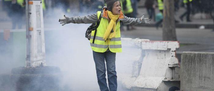 26.-woche:-gelbwesten-demonstrieren-in-paris