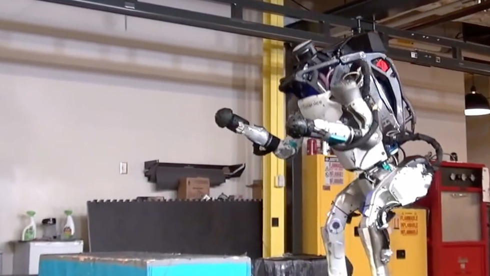 'game-change':-s.-korea-to-create-robots-resembling-humans-&-animals-for-future-wars