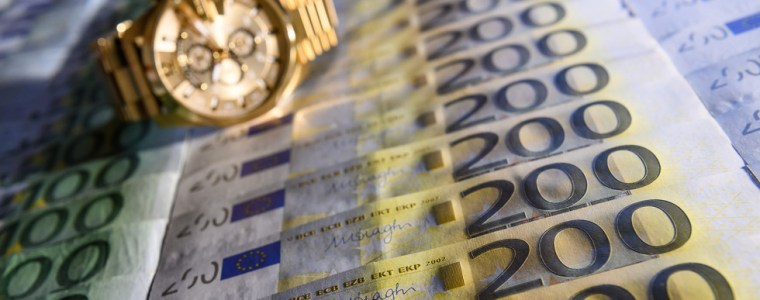 record-12-billion-rubles-in-cash-seized-from-arrested-fsb-officer-–-reports
