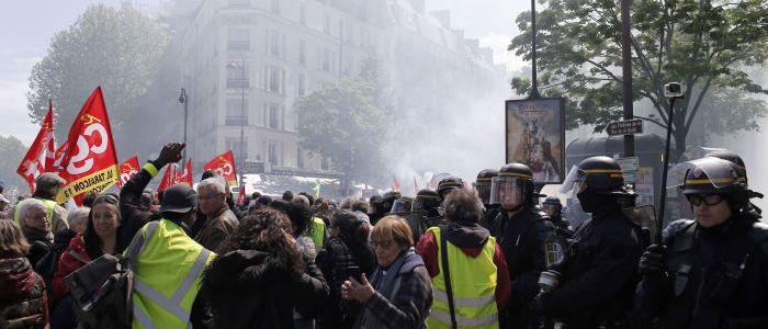 neue-gelbwesten-proteste-in-paris