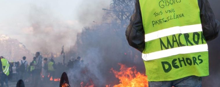in-france,-police-violence-escalates-to-quell-yellow-vests-protests-·-global-voices