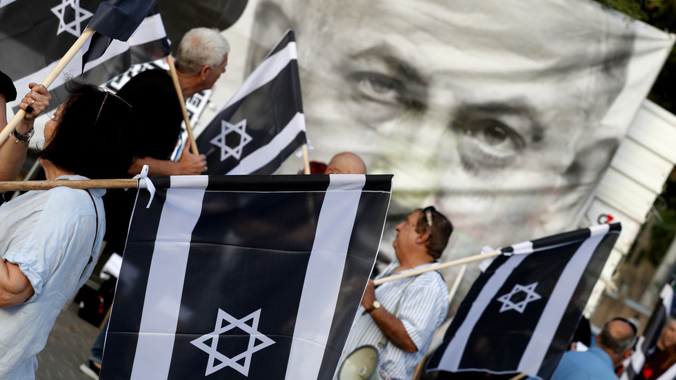 thousands-of-israelis-protest-immunity-bill-that-would-shield-netanyahu-from-indictment-(photos)