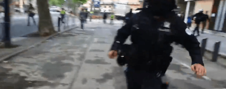 rt-france-reporter-hit-by-policeman-while-filming-yellow-vests-protest