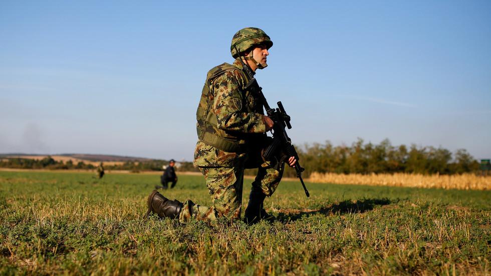serbian-army-on-high-alert-amid-kosovo-police-raids-in-ethnic-serb-area