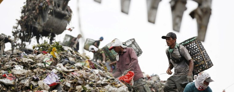 western-countries'-attempts-to-send-toxic-waste-to-indonesia-foiled-by-jakarta