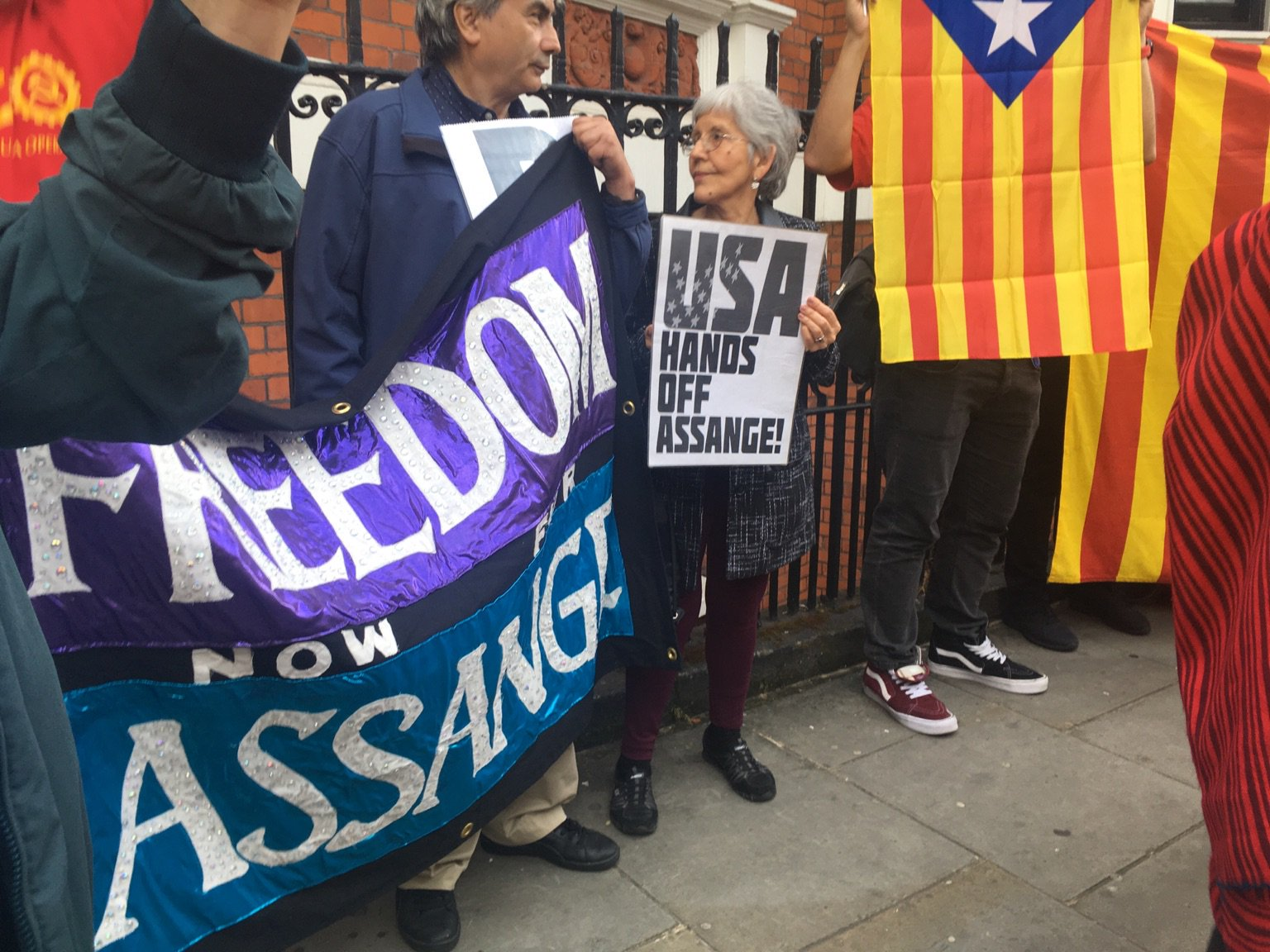 candles4assange:-catalans-celebrate-wikileaks-founder-julian-assange's-birthday;-march-for-own-freedom