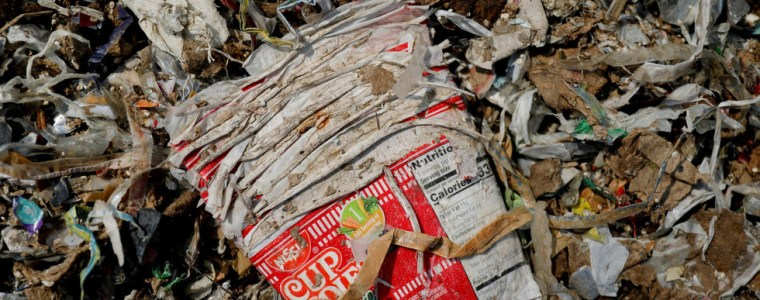 indonesia-sends-back-hundreds-of-shipping-containers-full-of-waste-'to-countries-of-origin'