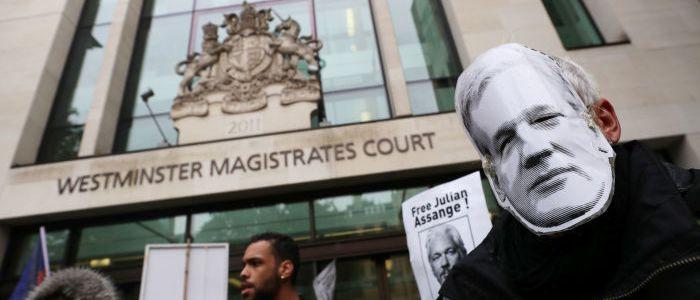 diese-merkmale-deuten-auf-folter-von-assange-hin-–-menschenrechtler