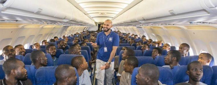 duitse-overheid-heeft-duizenden-vluchtelingen-ingevlogen-kosten-nu-al-meer-dan-zes-miljoen-euro-–-indignatie