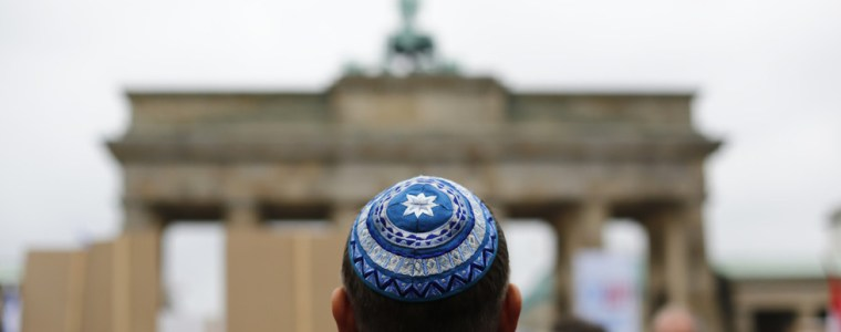 'every-2nd-jew-in-germany-wishes-to-leave':-berlin-to-seek-eu-wide-criminalization-of-holocaust-denial