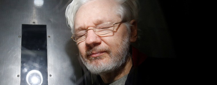 'doctors-for-assange'-worry-he-may-die-in-uk-prison-having-'effectively-been-tortured-to-death'