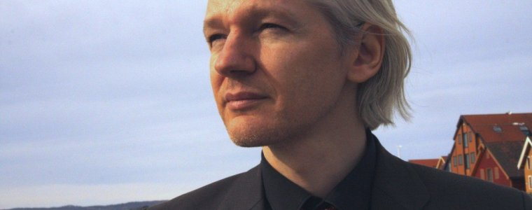 your-man-in-the-public-gallery-–-assange-hearing-day-2-–-global-research
