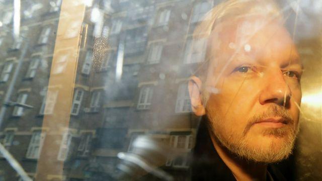 julian-assange-verurteilt-gericht:-keine-beratungen-mit-seinen-anwalten-zugelassen